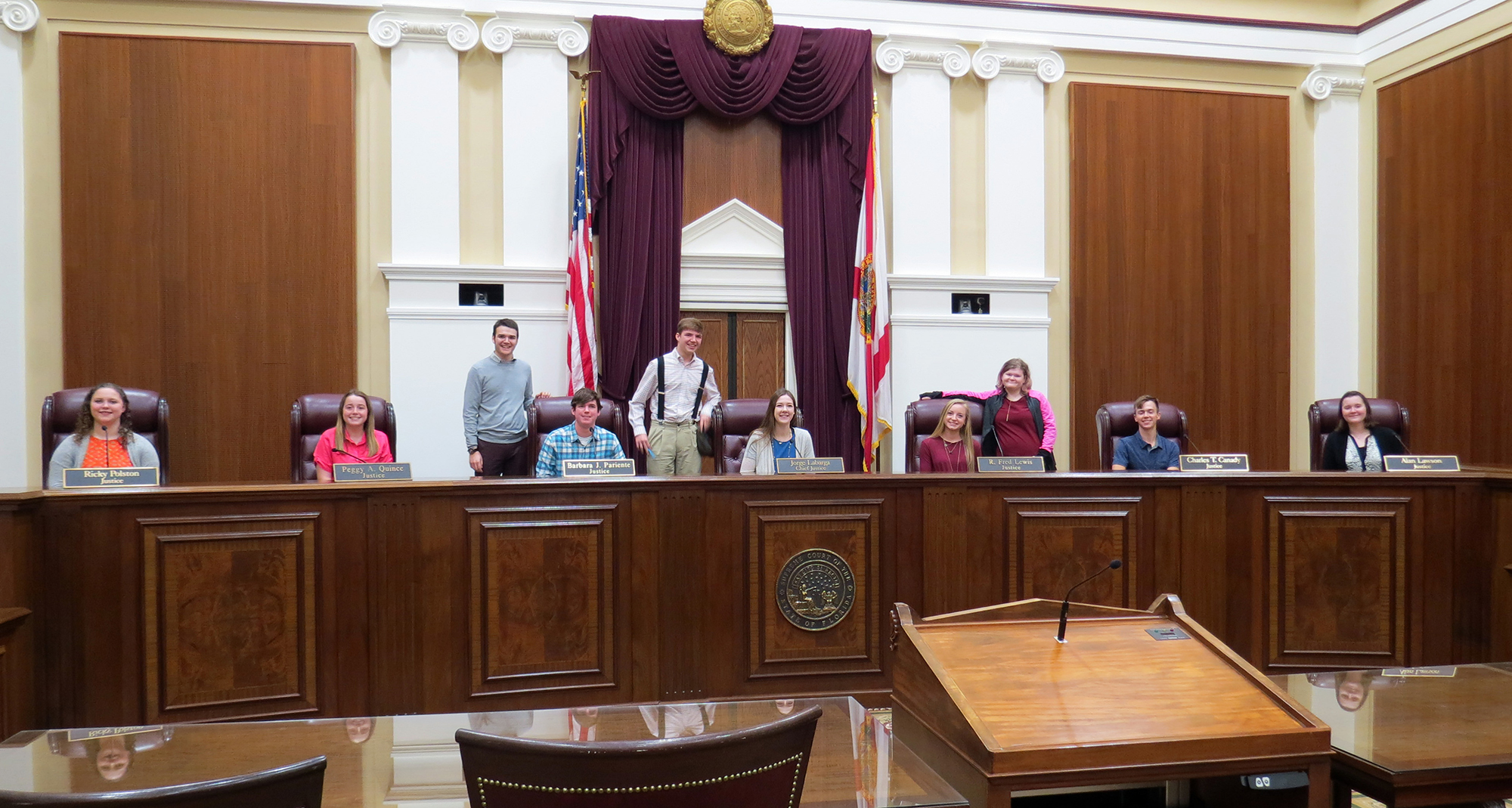 students part of Youth Tour in chambers