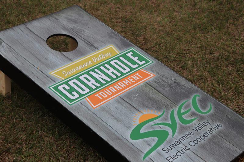 the cornhole board
